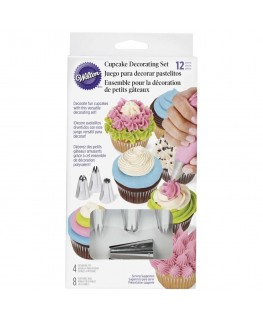 Wilton Cupcake/Cake Decorating Set 12pc
